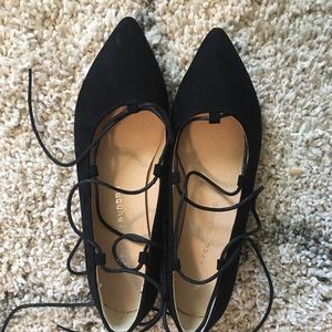 😻 Gorgeous Chinese Laundry tie up flats